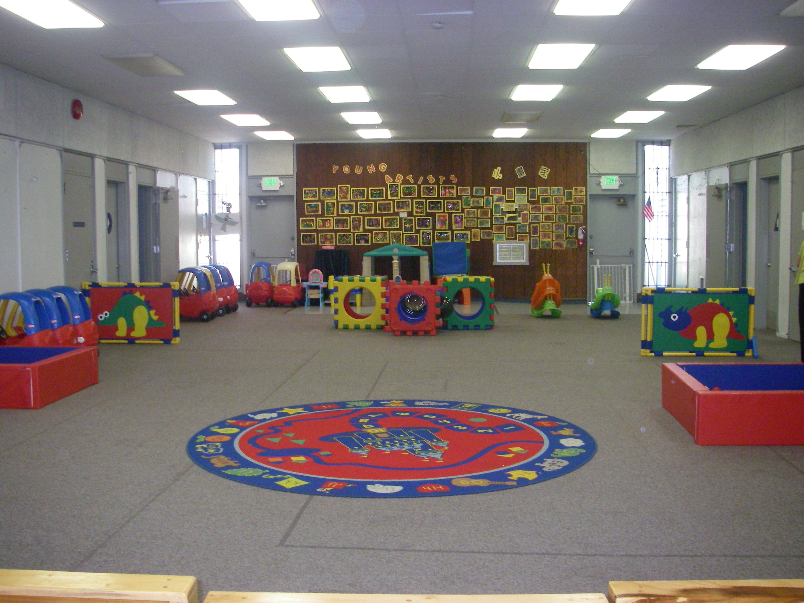 indoorplayroom.jpg